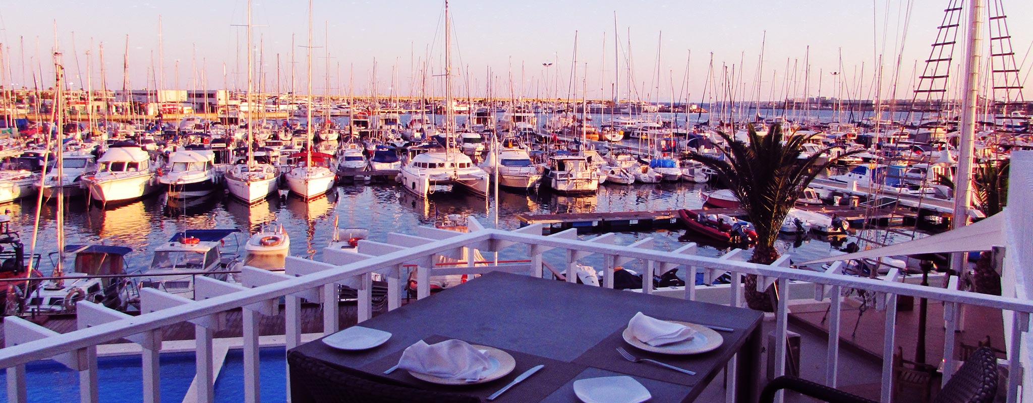Disfruta de una deliciosa cena con tu pareja en El puerto